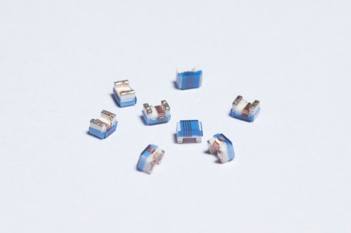 高頻繞線式陶瓷晶片電感 High Frequency Wire Wound Ceramic Chip 是真的吗 SWI-SERIES